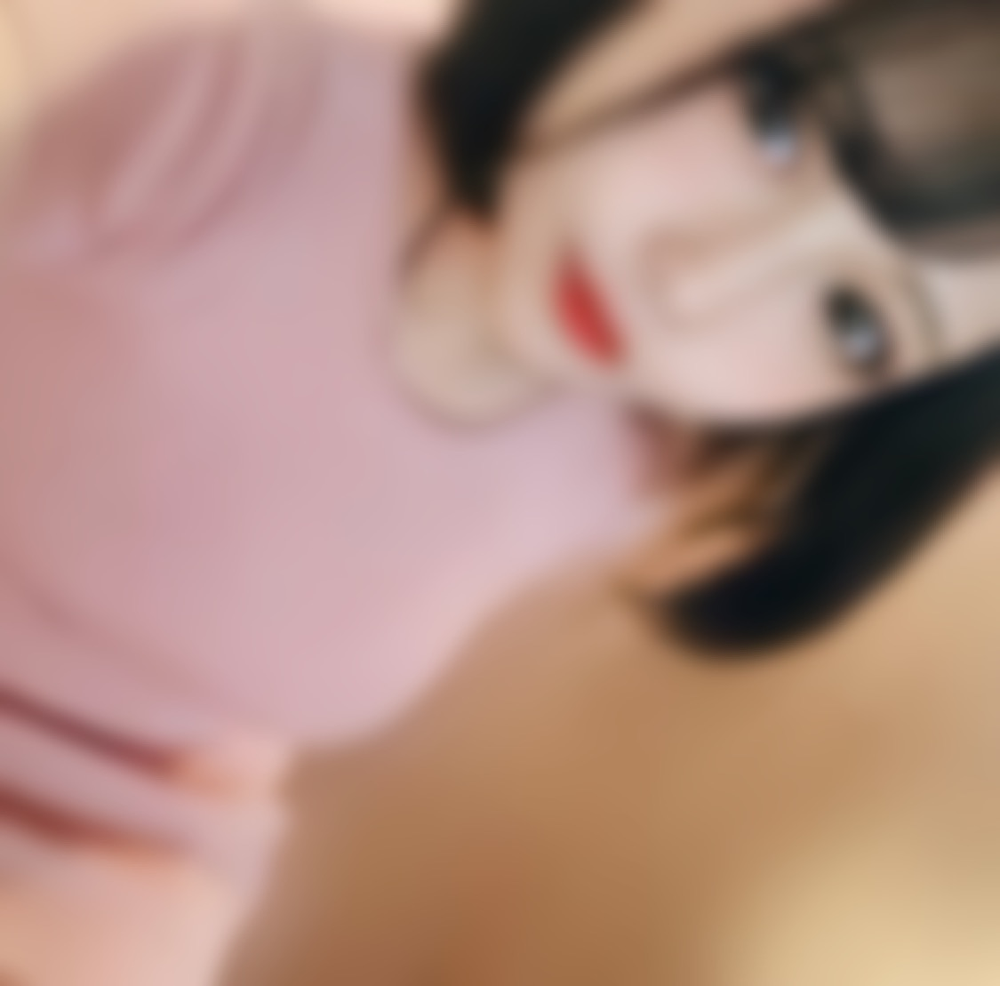 """<span class=""""title"""">24歳!関西でアパレルのデザイン職をしています♡</span>"""