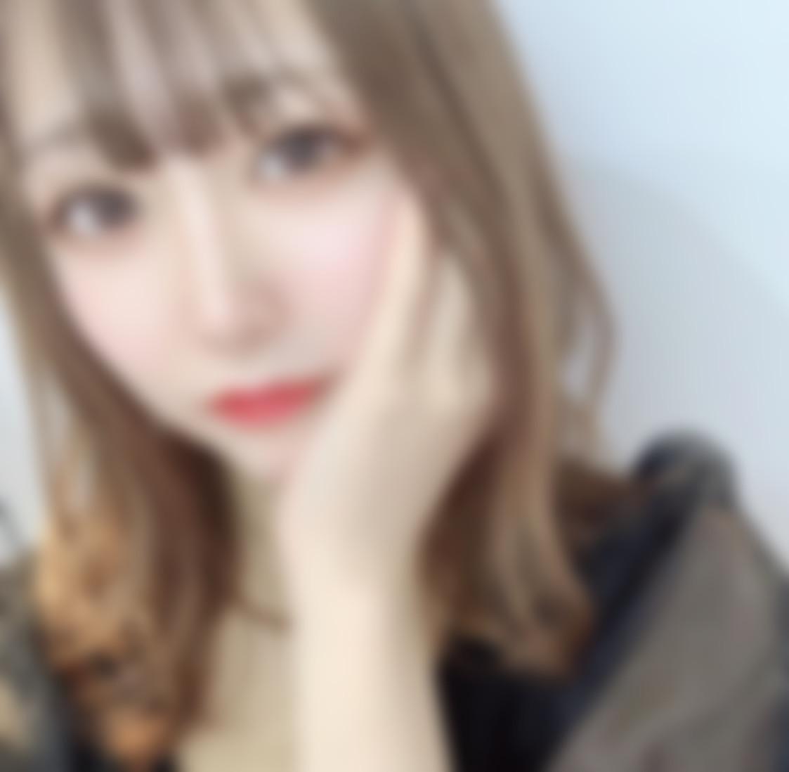 """<span class=""""title"""">21歳!静岡住みの大学生です☺️ スタイル、顔に自信あ りです!</span>"""