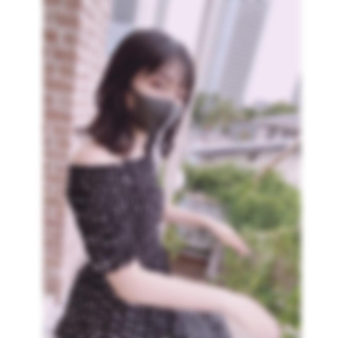 "<span class=""title"">名古屋に住む18歳大学生です!よろしくお願いします♡</span>"