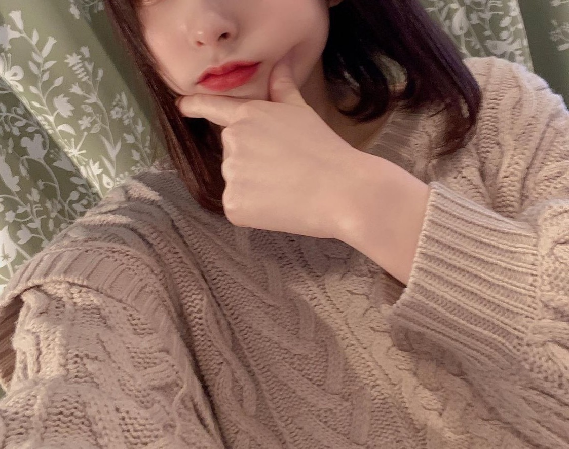 "<span class=""title"">24歳です♡ 京都でアパレル会社員をしています!</span>"