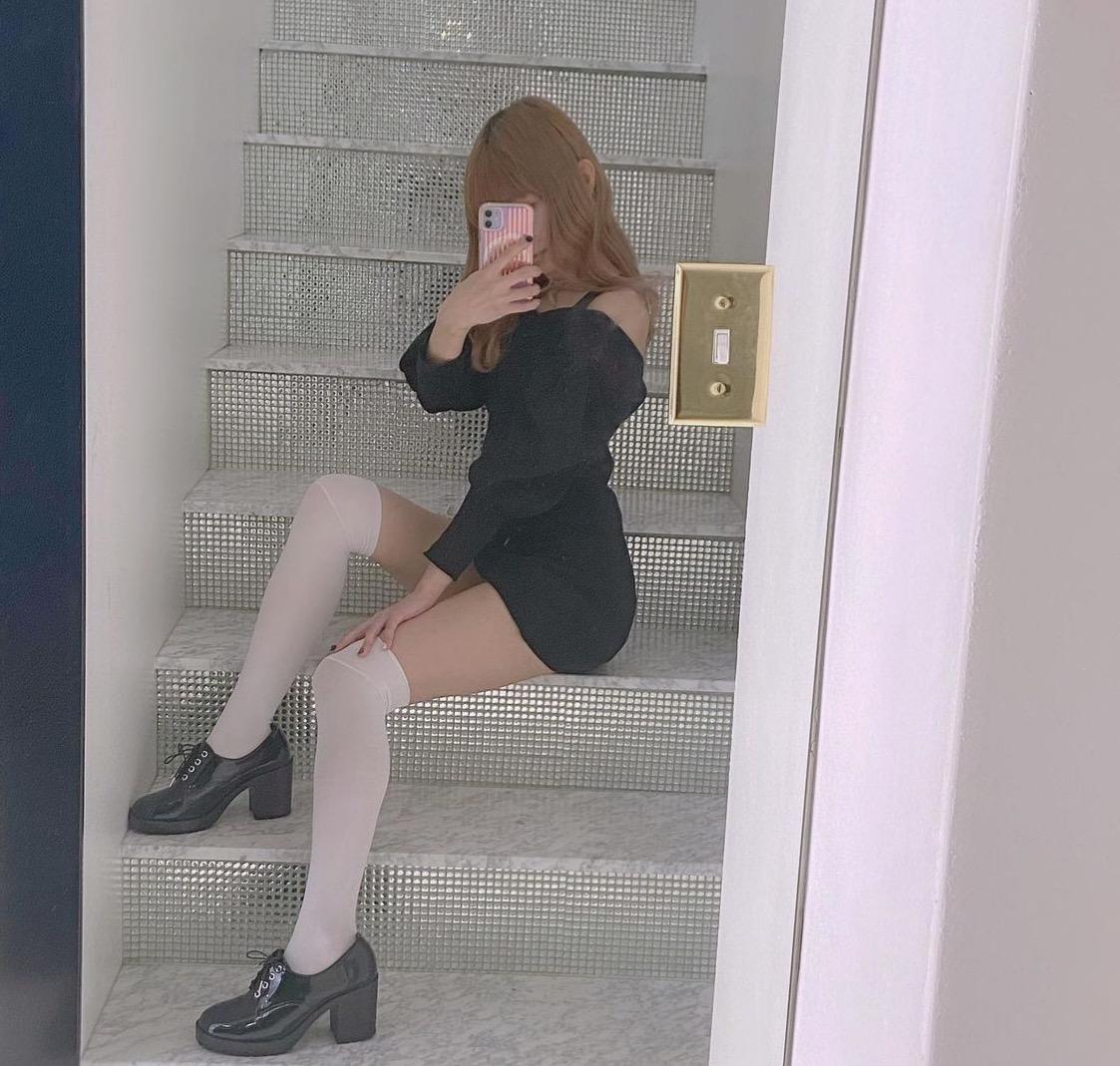 """<span class=""""title"""">23歳/大阪でアパレル系の仕事をしています♡ よろしくお 願いします!</span>"""