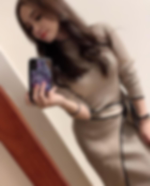 "<span class=""title"">25歳、福岡在住♡ 美容師をしている者です!</span>"