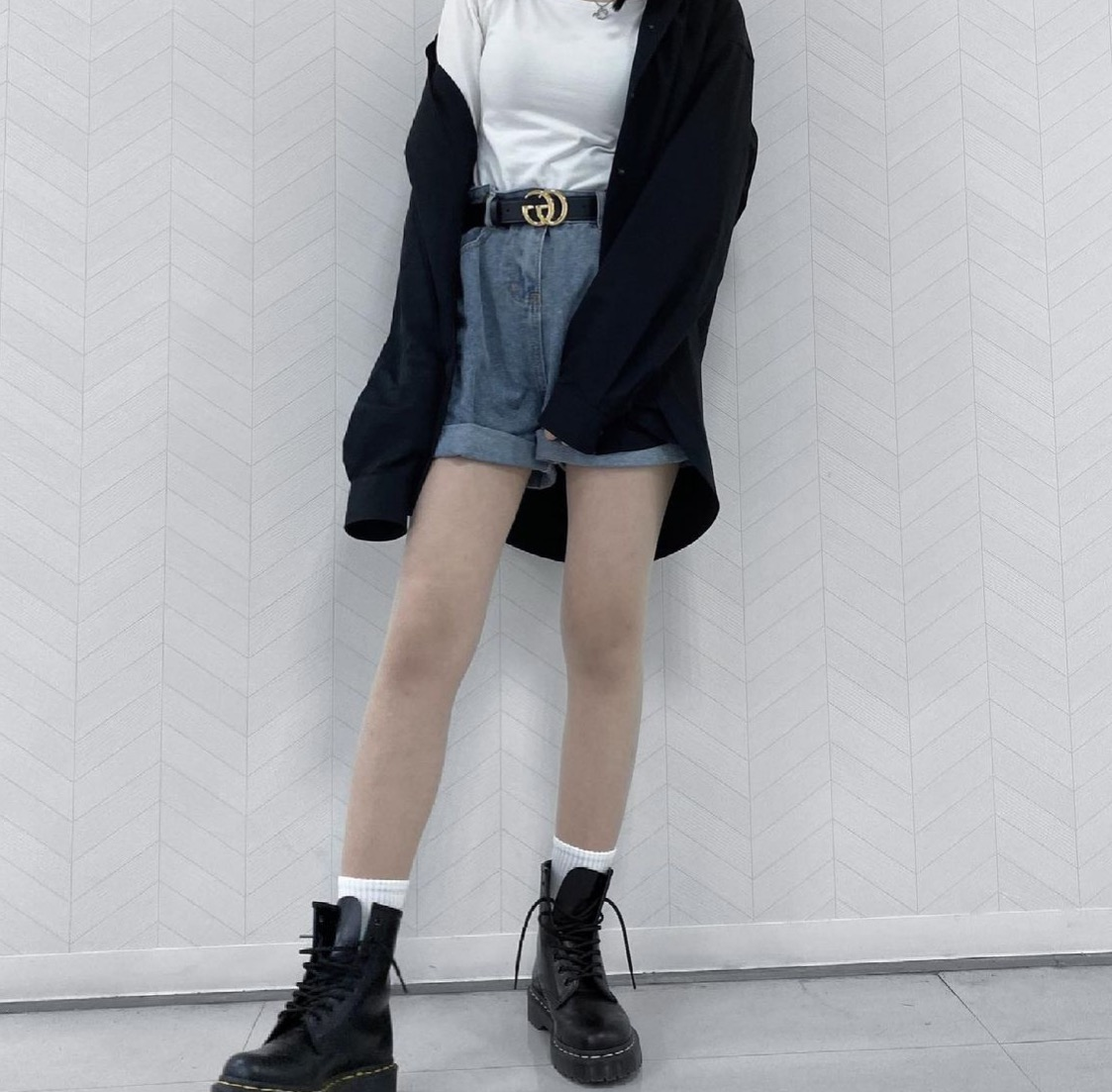 """<span class=""""title"""">名古屋住み!18歳の大学生です✨</span>"""